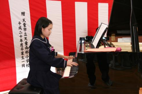 合唱を支えた見事な伴奏