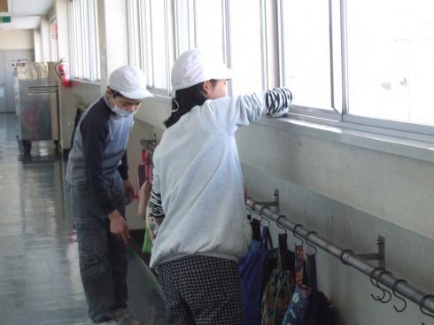 6年生 感謝の校内清掃