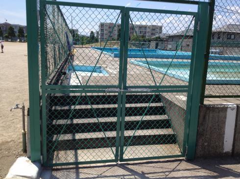 新しいプール入り口