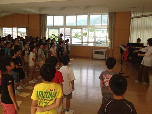 4年生 合唱練習