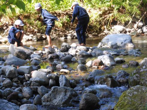川での散策