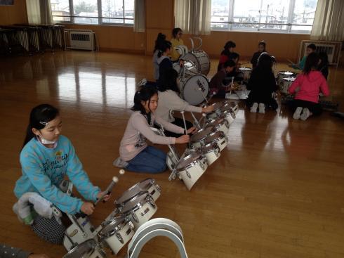 鼓隊クラブの練習