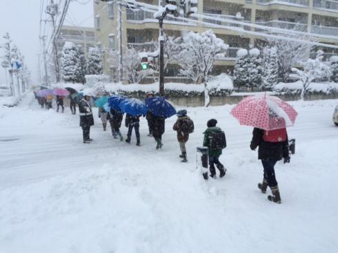 雪道の登校